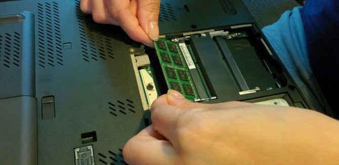 Hướng dẫn nâng cấp bộ nhớ RAM trên Laptop (máy tính xách tay)