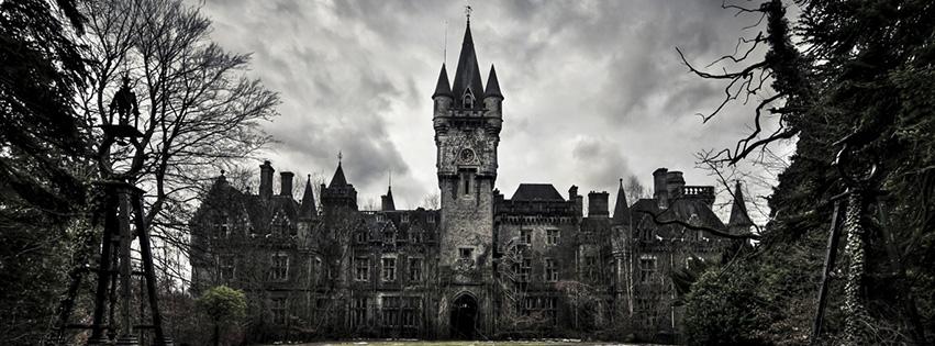 Lâu đài halloween facebook