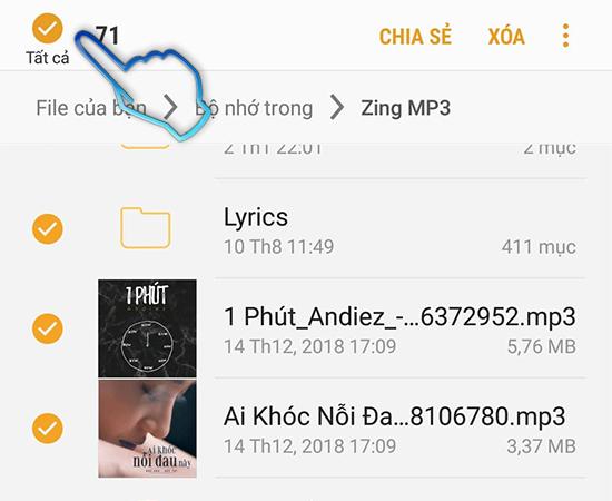 Cho file chuyen sang the nho
