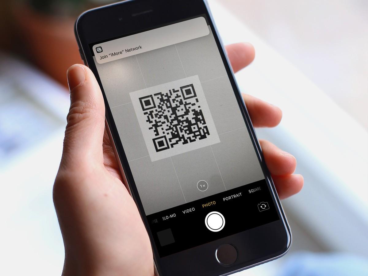 Quét mã QR trên điện thoại iPhone